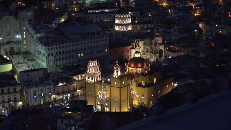 Mexico-Guanajuato-Lights-After-Dark-On-Yellow-Church