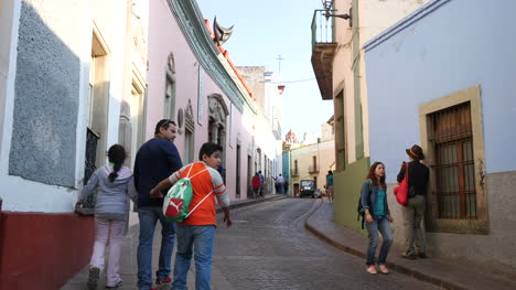 Mexico-Guanajuato-People-And-Car-In-Street
