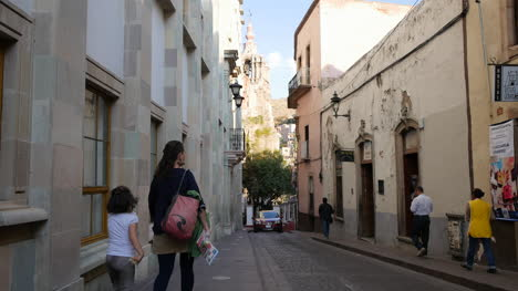 Mexico-Guanajuato-Street-With-People-And-Cars