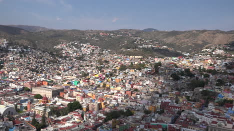 Mexico-Guanajuato-Zooms-To-View-Of-City