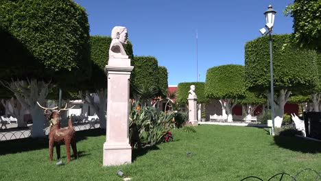Mexico-San-Julian-Hero-Statues-And-Deer
