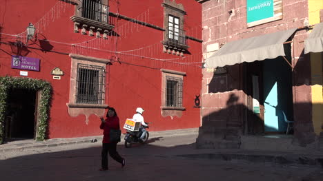 Mexico-San-Miguel-House-With-Red-Wall