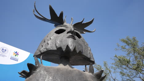 Mexico-San-Miguel-Statue-With-Headdress