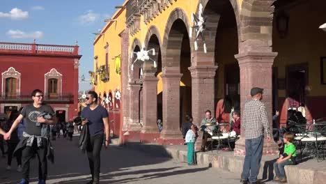 Mexico-San-Miguel-Street-By-Arcade