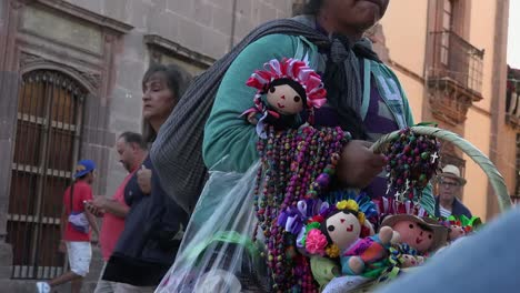 Mexico-San-Miguel-Vendor-With-Dolls