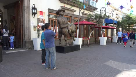 Mexico-Tlaquepaque-Open-Mall-With-Statue
