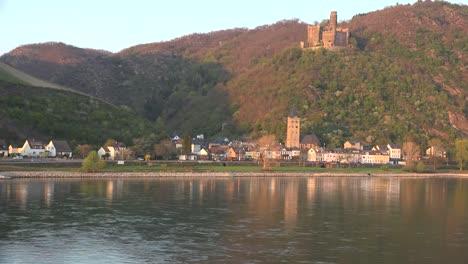 Alemania-Burg-Maus-Y-Rin-Abajo
