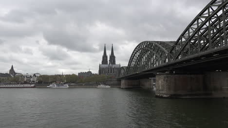 Germany-Koln-Cathedral-Zoom-In