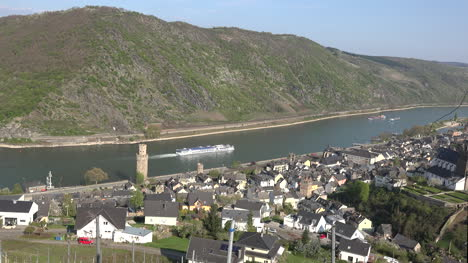 Germany-Oberwesel-With-Cruise-Ship-And-Train