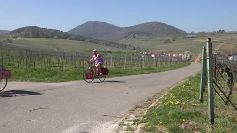 Germany-Wine-Route-Path-With-Bicycles