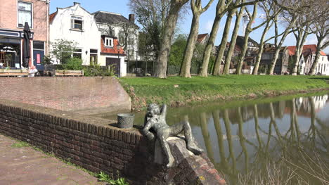 Netherlands-Schoonhoven-Statue-By-Canal