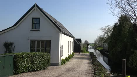 Netherlands-House-With-Canal