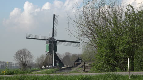 Netherlands-Windmill-With-Road