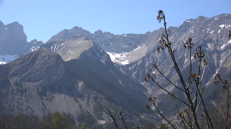 France-Alpine-Ridge-With-Cirque-Zoom-In