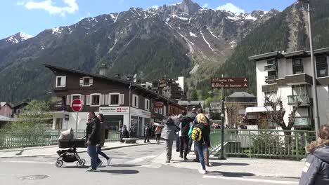 France-Chamonix-People-Walking-Around