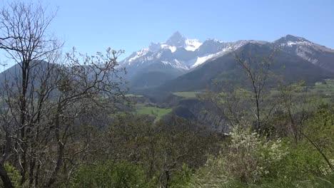 France-Gran-Tete-De-l-Obiou-In-Scenic-View