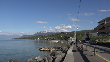 Francia-Lac-Leman-Frente-Al-Lago