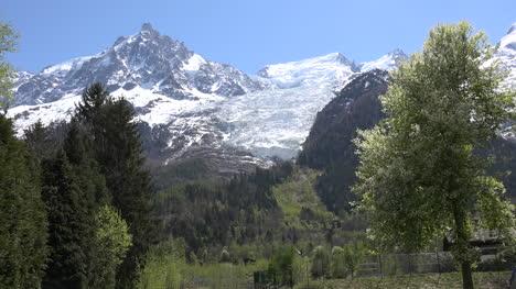 France-Mont-Blanc-Glacier-Snout-Zooms-In