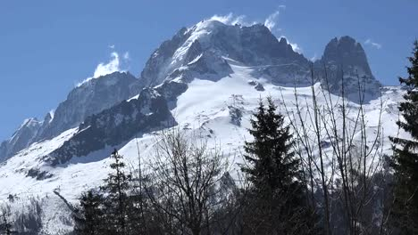 France-Mont-Blanc-With-Cloud-Wisps-Pan