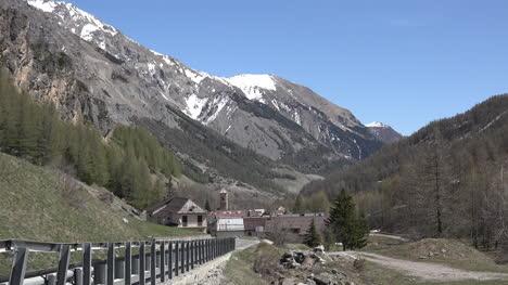 Italia-Argentera-Village-Más-Allá-De-Pasar