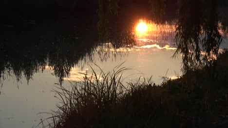 Italy-Setting-Sun-Reflected-In-Water