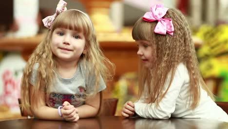 Children-Are-Secretive-In-Cafe