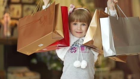 Ich-Liebe-Es-Kleines-Mädchen-Im-Laden-Einzukaufen-01