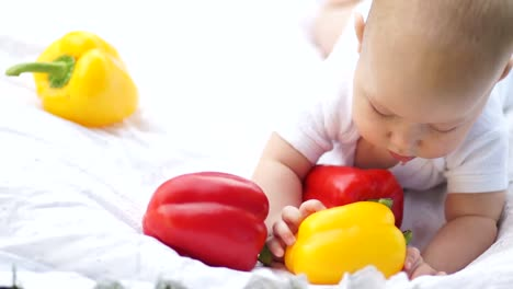 Smiling-Baby-With-Vegetables