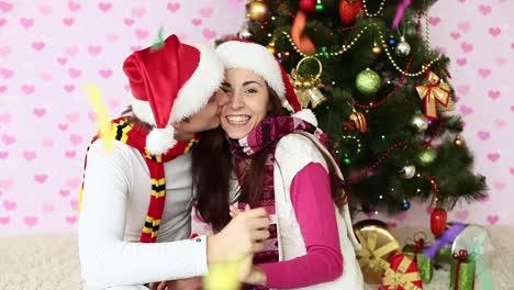 Lluvia-De-Confeti-Parejas-De-Enamorados-Cerca-Del-árbol-De-Navidad