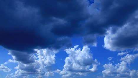 Time-lapse-sky-in-summer-day