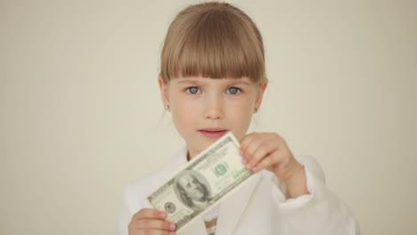 Kleines-Mädchen-Mit-Banknote