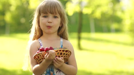 Portrait-Of-A-Smiling-Child-Eating-Strawberries
