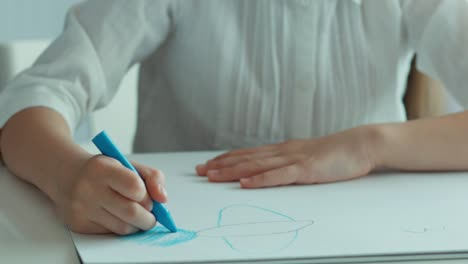 Child-Drawing-A-Bird