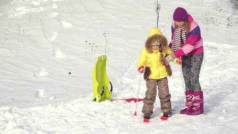Child-Learning-To-Ride-A-Skis