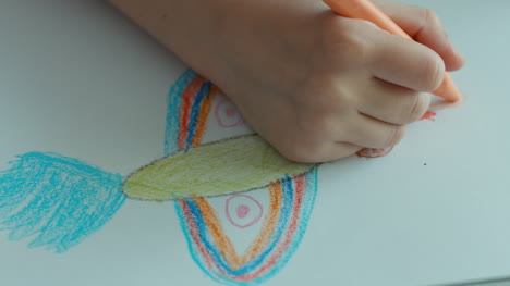 Child-Drawing-A-Bird