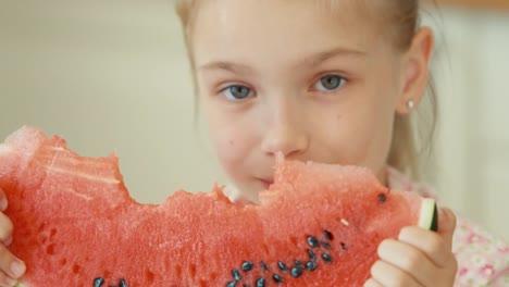 Closeup-Portrait-Girl-Eating-Watermelon