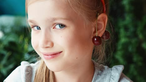 Extreme-Closeup-Portrait-Cherry-Girl-Looking-At-Camera