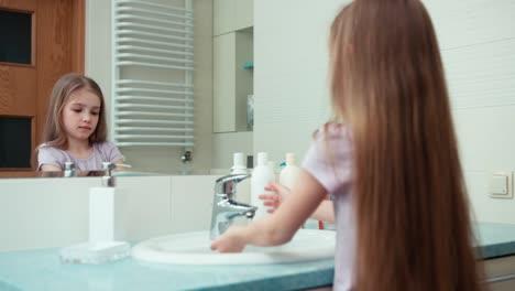 Girl-Niño-7-Years-Old-Washing-Hands-With-Soap-In-Bathroom
