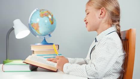 Schoolgirl-Licking-Lollipop-And-Nods-Her-Head
