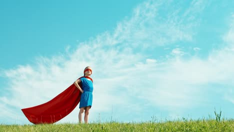 Super-Hero-Girl-Niño-7-8-Years-Old-Protects-The-World-Against-The-Blue-Sky