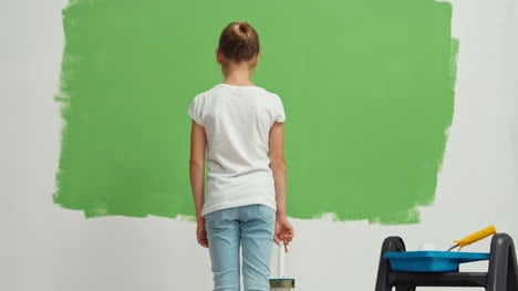 Child-Standing-On-The-Green-Screen