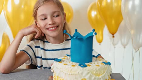 Closeup-Portrait-Girl-With-Her-Birthday-Cake-Panning