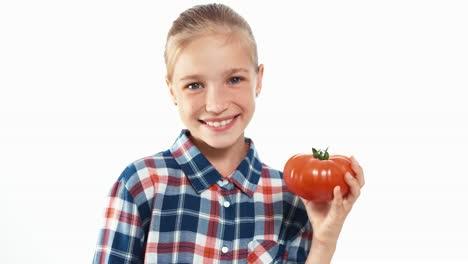 Closeup-Portrait-Fröhliches-Kind-Hält-In-Ihren-Händen-Große-Reife-Tomaten-Daumen-Hoch