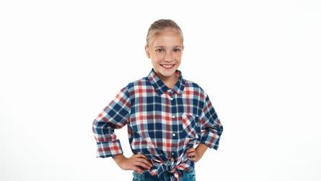 Mädchen-Im-Karierten-Hemd-Isoliert-Auf-Weiß