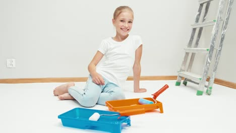 Laughing-Girl-With-Paint-Roller