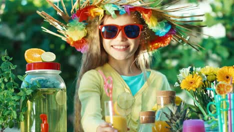 Lemonade-Girl-Selling-Juice