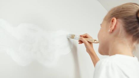 Retrato-Niña-Pintura-Nube-Blanca-En-La-Pared