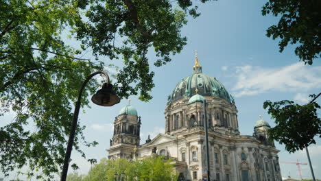 Berlin-Cathedral-On-A-Clear-Day