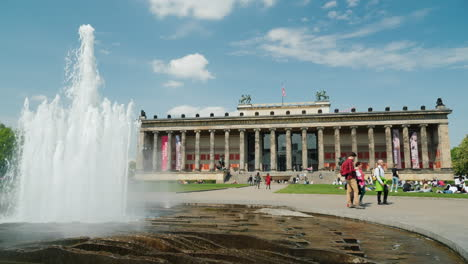 Fountain-by-Berlin-Altes-Museum