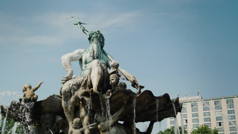 The-Neptune-Fountain-In-The-Centre-Of-Berlin-Steadicam-Shot